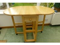 Oval Pine Kitchen table and stools