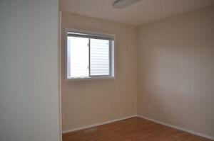 Pet Friendly 3-Bed Main Floor Suite near NAIT - DEAL ENDS TODAY! Edmonton Edmonton Area image 6