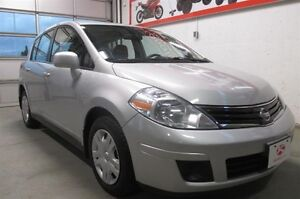 2012 Nissan Versa Hatchback 1.8 S at