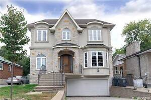 Gorgeous 2-Storey House In Superior Location At Newton Dr