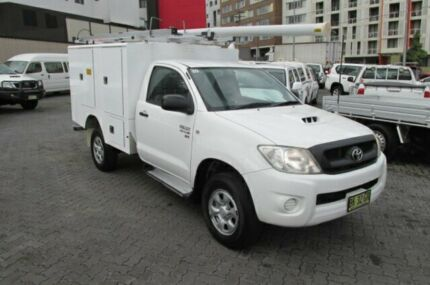 2011 Toyota Hilux KUN26R MY11 Upgrade SR (4x4) White 5 Speed Manual Cab Chassis