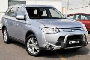 2014 Mitsubishi Outlander ZJ MY14.5 ES 4WD Silver 6 Speed Constant Variable Wagon Gosford Gosford Area Preview