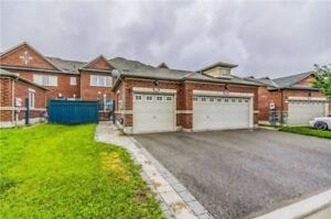 Executive Townhouse for Lease in ! Separate entrance basement!