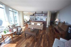 ⇐⇐OVER 1,000SQFT – 3 BEDROOM WITH VIEWS⇒⇒