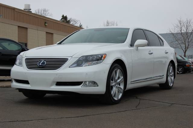 the lexus ls 600h l buying guide ebay. Black Bedroom Furniture Sets. Home Design Ideas