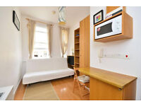 West Kensington – Comfortable Second Floor Studio Flat *