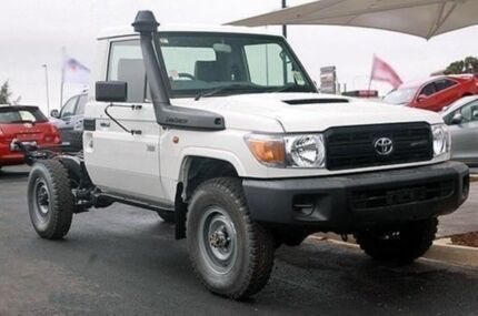 2010 Toyota Landcruiser VDJ79R MY10 Workmate French Vanilla 5 Speed Manual Cab Chassis Mindarie Wanneroo Area Preview