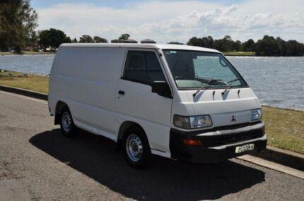 2009 Mitsubishi Express SJ MY10 SWB White 5 Speed Manual Van