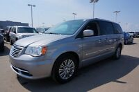 2014 Chrysler Town & Country LEATHER LOADED $158 b/w 0 Down All