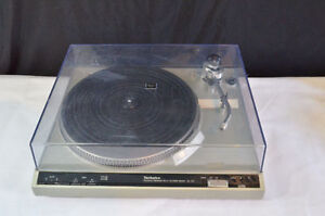Technics SL-210 Turntable table tournante