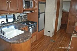 Wildwood 2015 30KQBSS Travel Trailer...Great family Trailer St. John's Newfoundland image 4