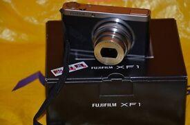 Fuji XF1 (High spec advanced compact camera) +retro case