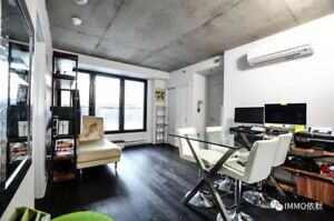 Montreal Downtown luxury condo for rent- big private terrasse