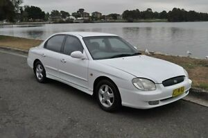 1998 Hyundai Sonata Levant White 4 Speed Automatic Sedan Croydon Burwood Area Preview