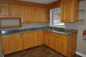 Large, quiet bedrooms available! Close to Fanshawe! All jnclus!