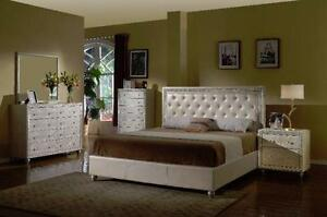 6 PC QUEEN SIZE PLATE-FORM BEDROOM SET $1798