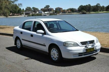 2001 Holden Astra TS City White 5 Speed Manual Sedan