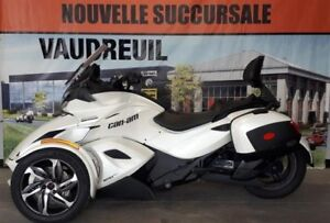 2014 Can-Am ST ( Sport Touring )