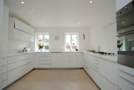 3 bedroom house in Torrington Park, London
