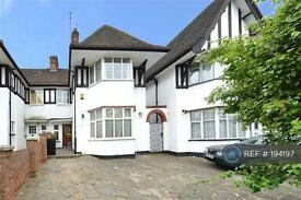 4 bedroom house in Highfield Avenue, London , NW11 (4 bed)