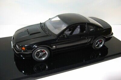 AutoArt  2004 Mustang GT  1:18 Ford diecast   Auto Art   Ebony Black  in Case