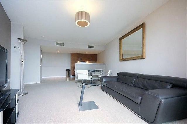 Large 1 Bedroom Apartment in Falcon Wharf Battersea