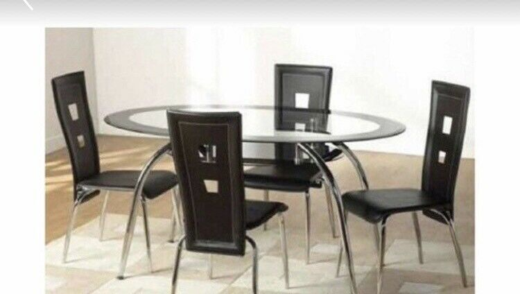 60e60b96524 Glass dining table