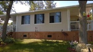 Beautiful and Well Maintained Lakeview Cottage Belleville Belleville Area image 4
