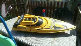 Large electric speed boat for parts only no remote or battery