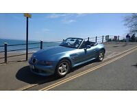 BMW Z3 2.8 AUTOMATIC. WIDE BODIED ROADSTER ARCTIC BLUE (VERY RARE)