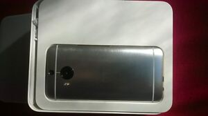 Black HTC M9 - UNLOCKED - in box - BUY OR TRADE