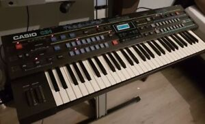 Casio CZ-1 Phase Distortion Polyphonic Synthesizer (1986)
