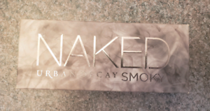 Brand New Urban Decay Naked Smoky Pallet  Never even swatched
