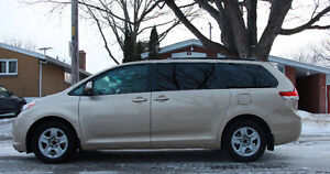 2012 Toyota Sienna LE V6  8 seats Minivan for sale