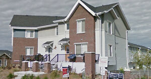 SPACIOUS 2 BDRM TOWNHOUSE WITH DBL GARAGE IN SHERWOOD PARK
