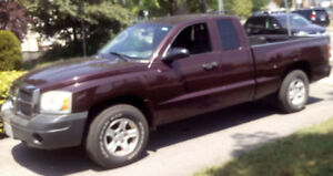 2005 DODGE  DAKOTA  EX. CAB PICKUP   127,000 kl