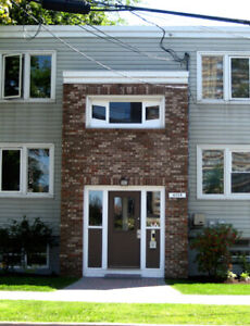 1 BDRM APT-SHIRLEY ST-ALL UTIL INCL-5 MINS DAL-AVAIL SEPT 1!!!