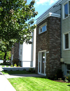 2 BDRM APT-LARGE-SHIRLEY&ROBIE-BEST VALUE-BEST LCTN-AVAIL MAY 1!