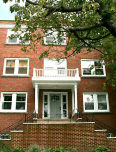 2 BDRM APT-BOUTIQUE-MASSIVE-HERITAGE-1949 OXFORD-AVAIL SEPT 1!!!