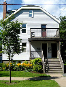 3 BDRM FLAT-PEPPERELL-5 MINS DAL/KINGS-WAS&DRYER-AVAIL MAY 1!!!!