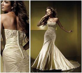 Benjamin Roberts 930 Wedding gown NEVER WORN