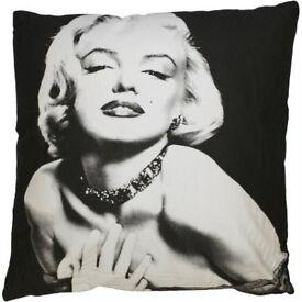 NEW / Designer Cushion - Marilyn Monroe