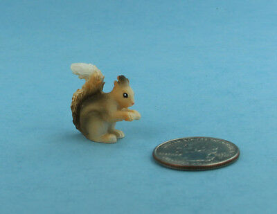Adorable Dollhouse Miniature/Fairy Garden Resin Painted Squirrel #S5029