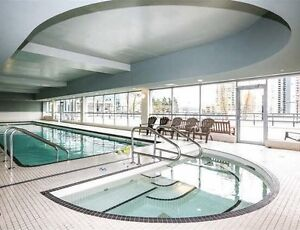 1 bed & den 1 parking,  Luxurious condo showing Sat Dec/03 & 04 Downtown-West End Greater Vancouver Area image 6