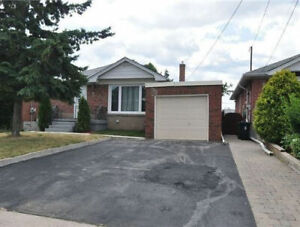 Eglinton & Warden  - 3 Bedroom - 2 Bath - 2 Parking - Patio