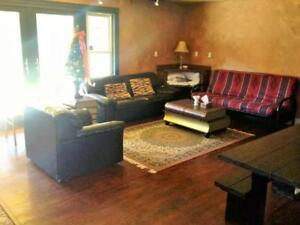 3 Bed Blue Mountain Chalet Sleeps 10