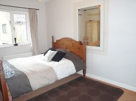 A good size double room