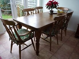 ****REDUCED***Pine dining table & 6 chairs ***REDUCED*****