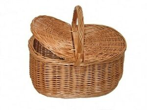 Traditional Willow Wicker Vintage Style Shopping / Picnic Basket with Lid