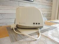 RUSSELL HOBBS 2-Slice Toaster - White